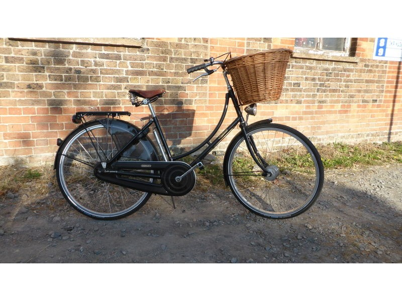 Used Pashley Princess Traditional Ladies Bike click to zoom image